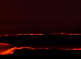 Coucher de soleil de feu en Languedoc