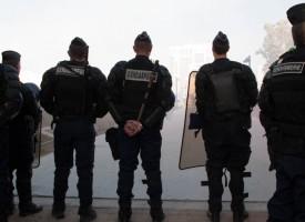 Manifestation des Ultras Oct 2012 la Gendarmerie surveille….